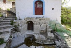 01-Reservoir_under_church