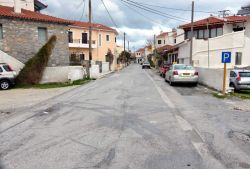 02-Kokkari_mainstreet_Bad_weather