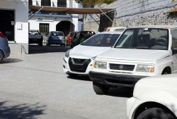 Rental cars without plates, Kokkari