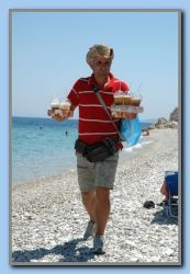 Kristo Muho is not only taking care of the payment for sunbeds. He is also serving ice, drinks and food on the beach. Now season no. 12!!!