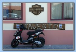 Vrong parking - not a 'Harley'